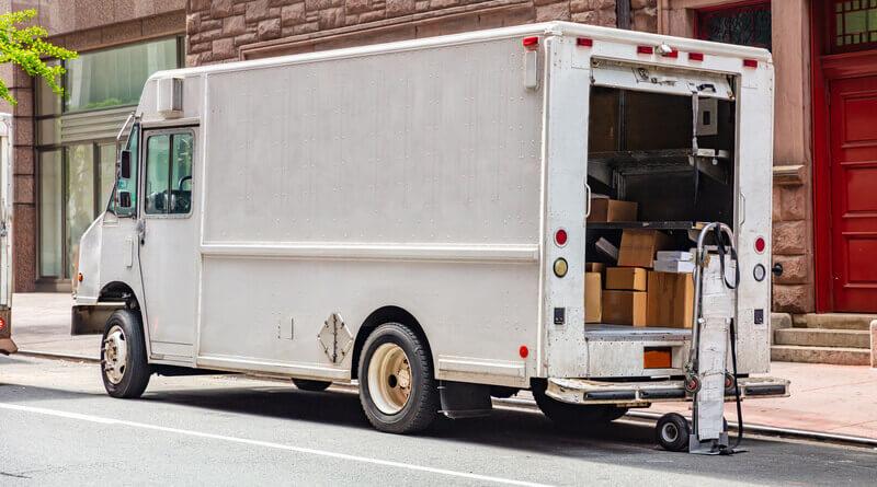 mail-truck-3248139_1280